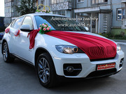 Белая BMW X6 на заказ. Оформление машины на свадьбу.